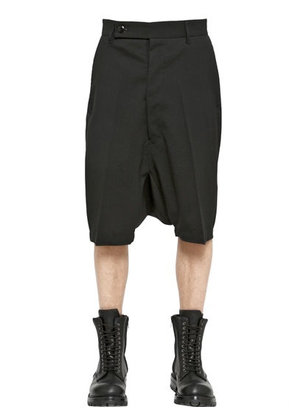 POD LIGHT STRETCH WOOL GABARDINE SHORTS