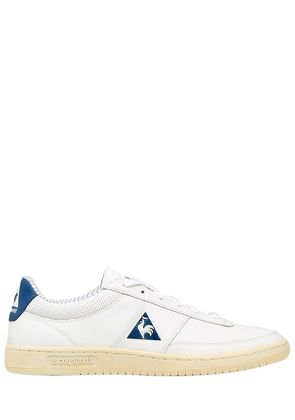 AVANTAGE COURT LEATHER SNEAKERS